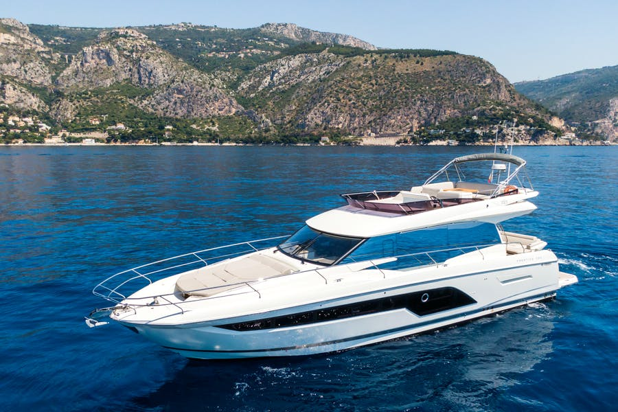 Features for LA HUNE 4.0 Private Luxury Yacht For sale