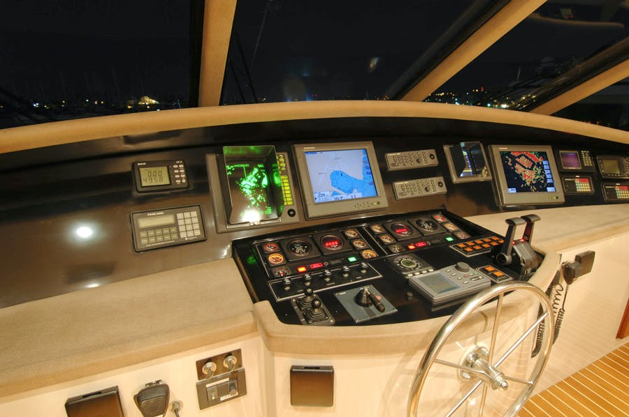 Features for LADY O Private Luxury Yacht For sale