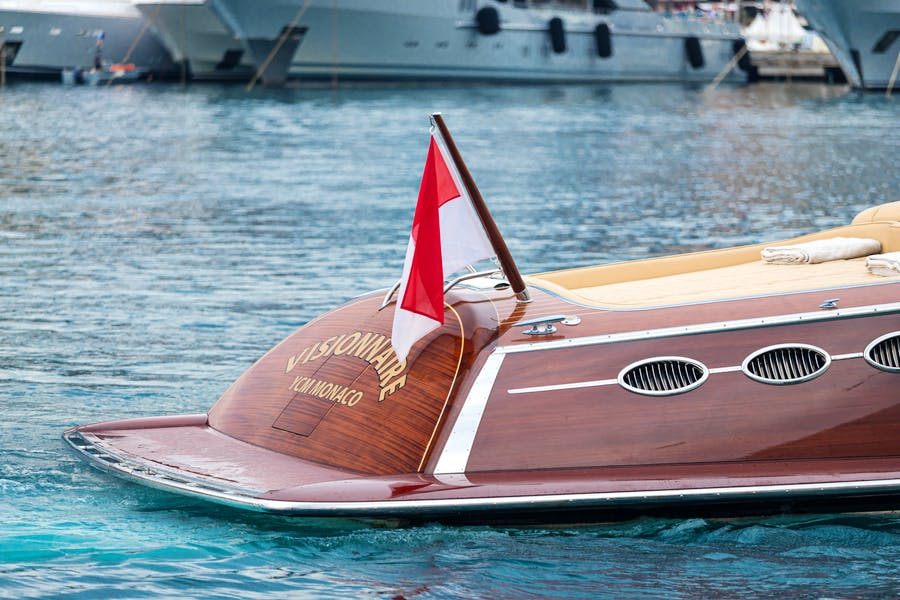 Features for VISIONNAIRE Private Luxury Yacht For sale