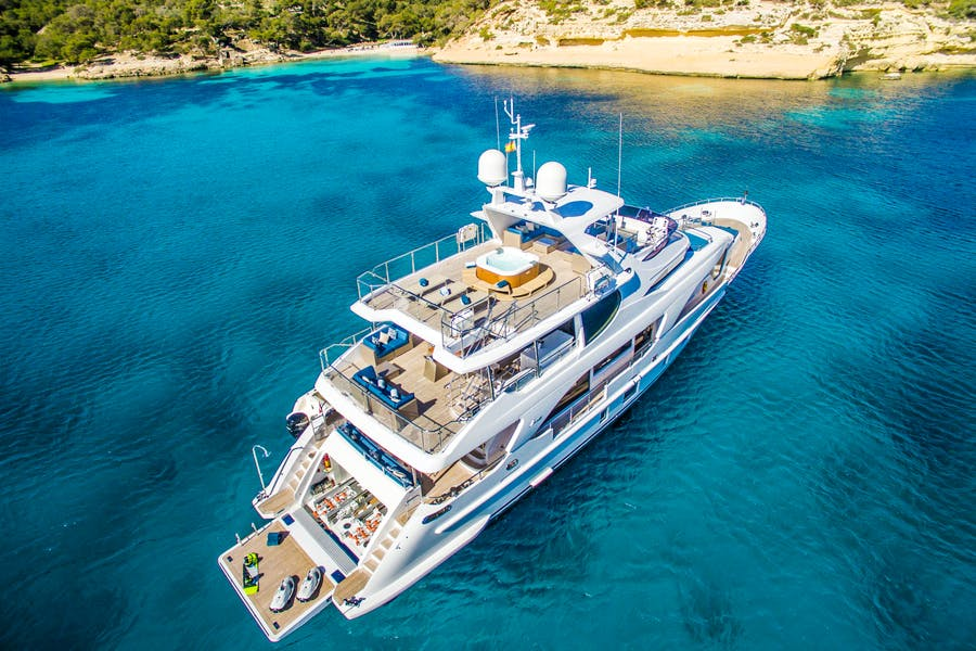 Features for LULU Private Luxury Yacht For sale