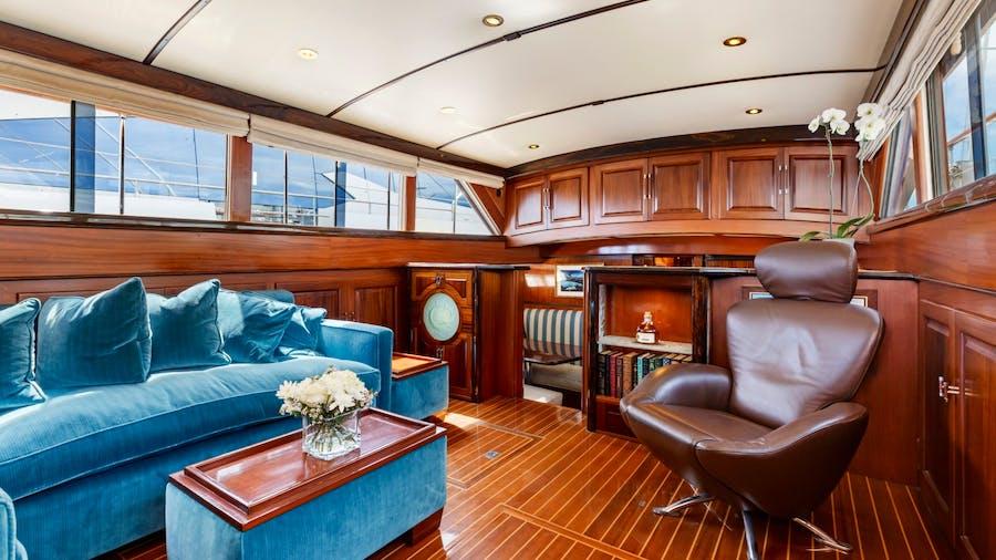PYRAT Yacht