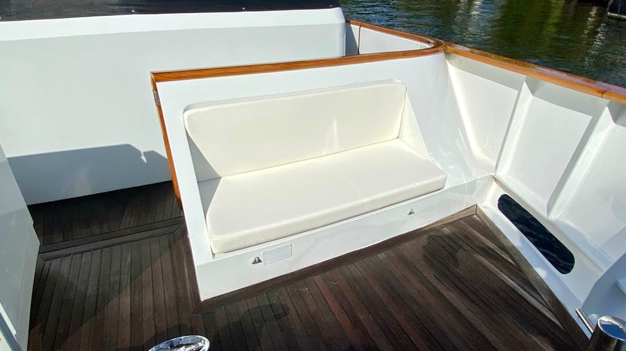 Features for HALCYON DAYS Private Luxury Yacht For sale