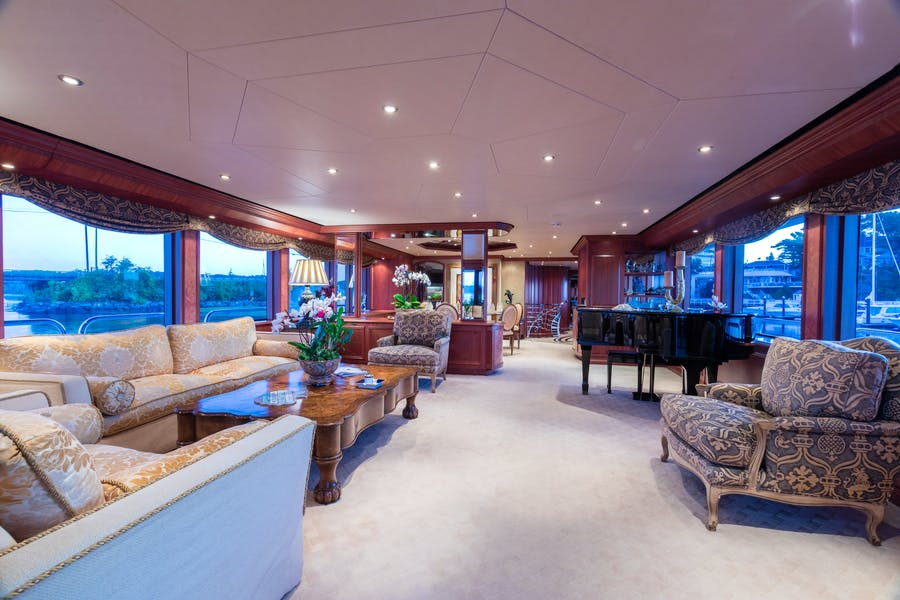 Features for SHOGUN Private Luxury Yacht For charter