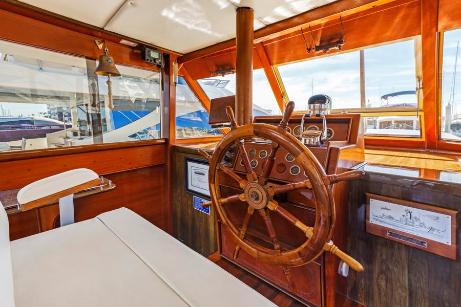 Features for PYRAT Private Luxury Yacht For sale