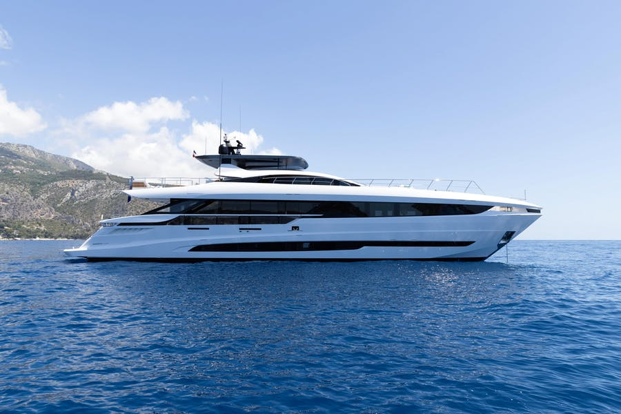 Features for DOPAMINE Private Luxury Yacht For charter