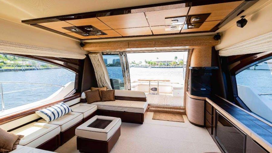 LUPO Yacht