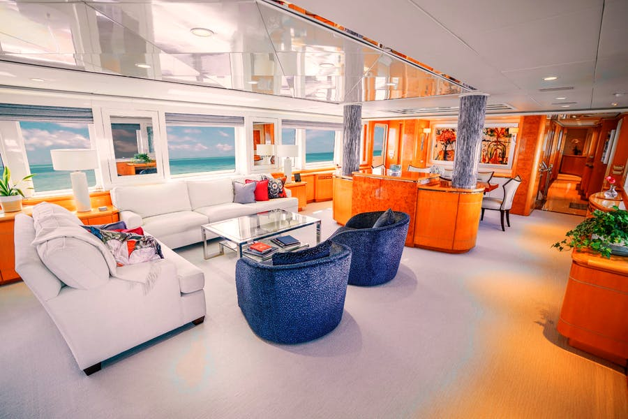 Features for WONDERLAND Private Luxury Yacht For sale
