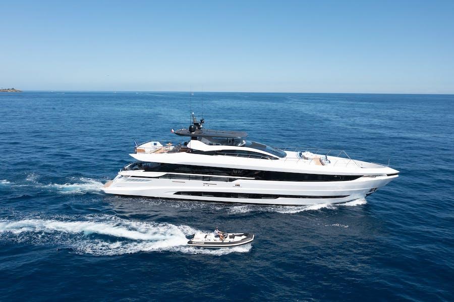 Tendar & Toys for DOPAMINE Private Luxury Yacht For charter