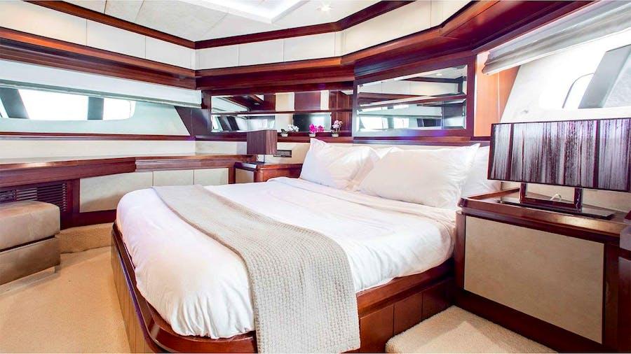 BT2 Yacht