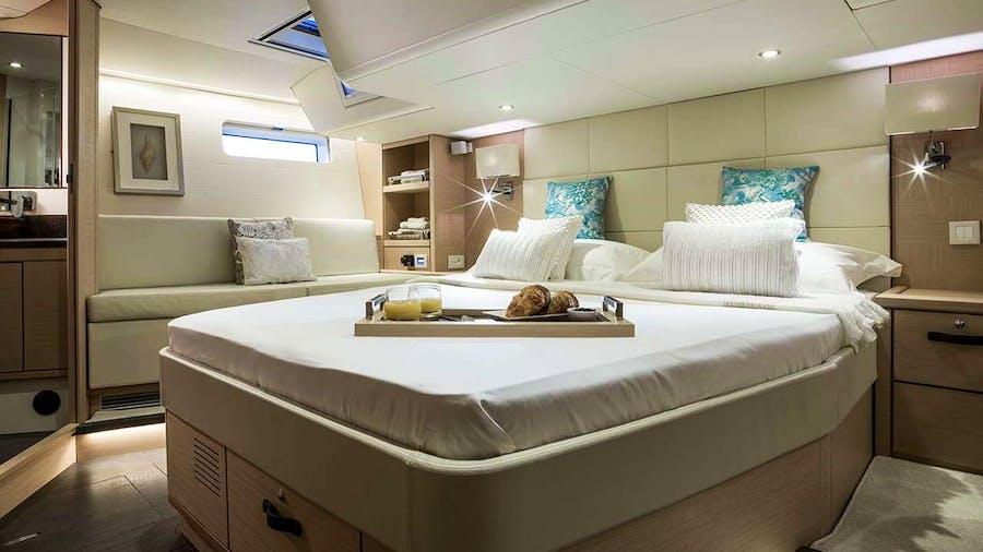 THEA  Yacht