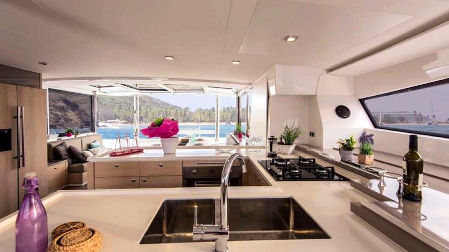Crystal Dreams Yacht
