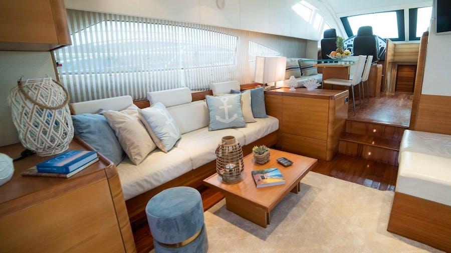 CINZIA Yacht