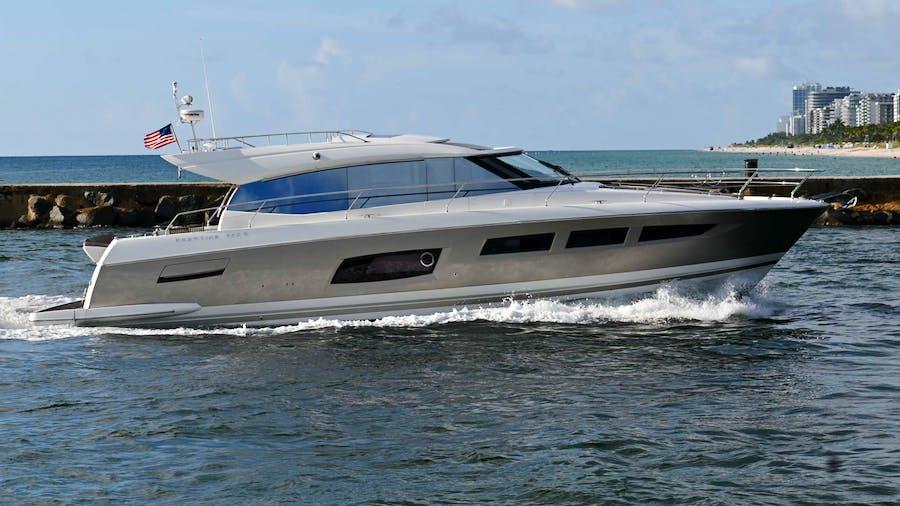60 Prestige Yacht