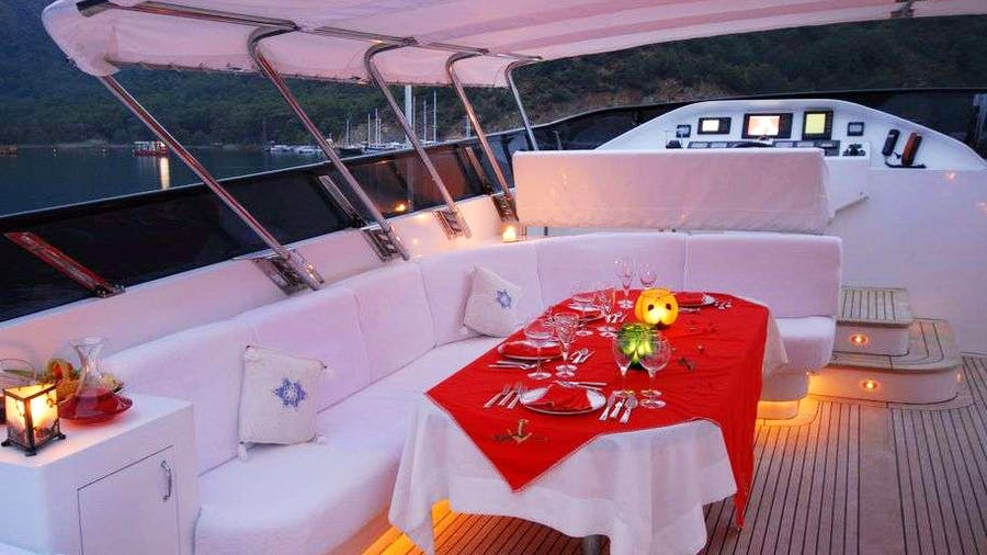 CROCUS Yacht