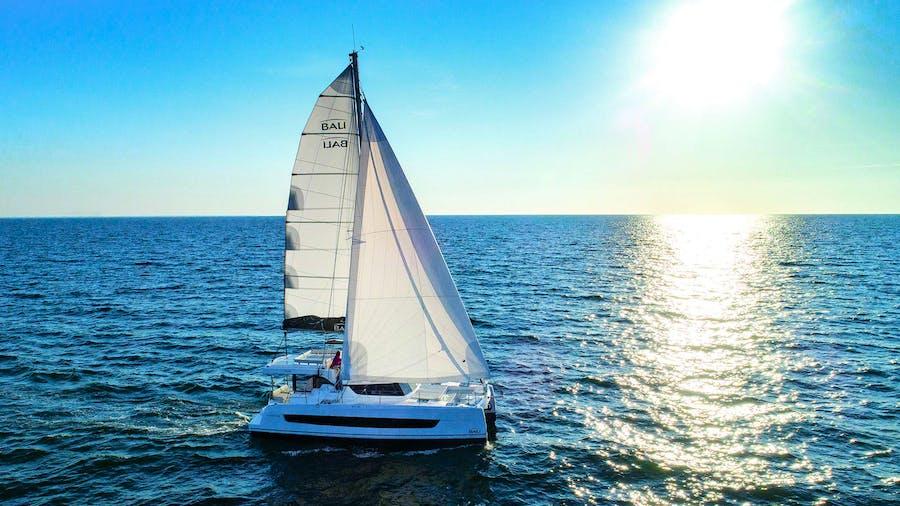 SOMNIS Yacht