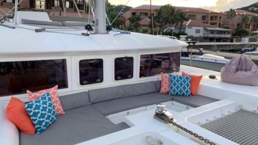 MAKIN' MEMORIES (Cat) Yacht