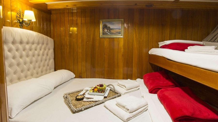 Hera Yacht